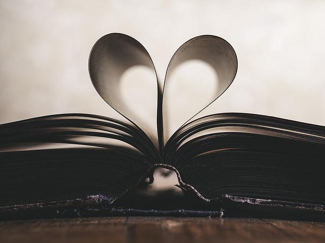 srdce z listů knihy